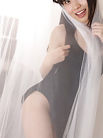 Hijiri Sachi Asian shows sexy legs under dress and plays a lot