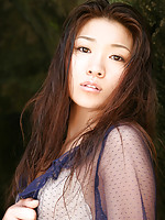 Yuuki Fukasawa Asian with very naughty behind plays on the beach